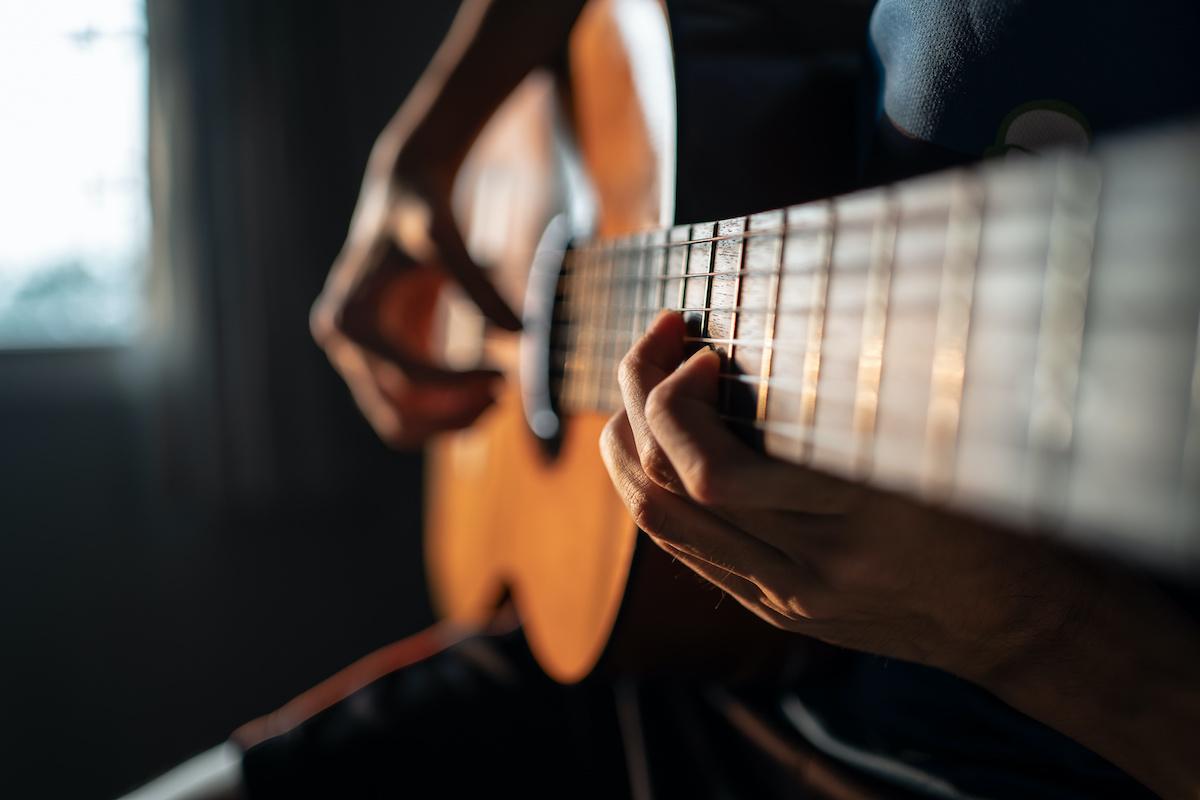 Comment jouer des accords ouverts à la guitare : 8 accords ouverts de base