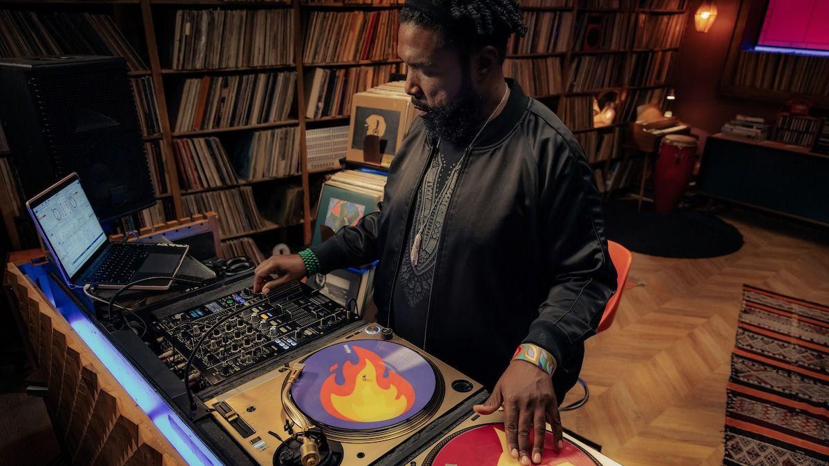 Les 6 astuces de Questlove pour créer un récit à travers un set de DJ
