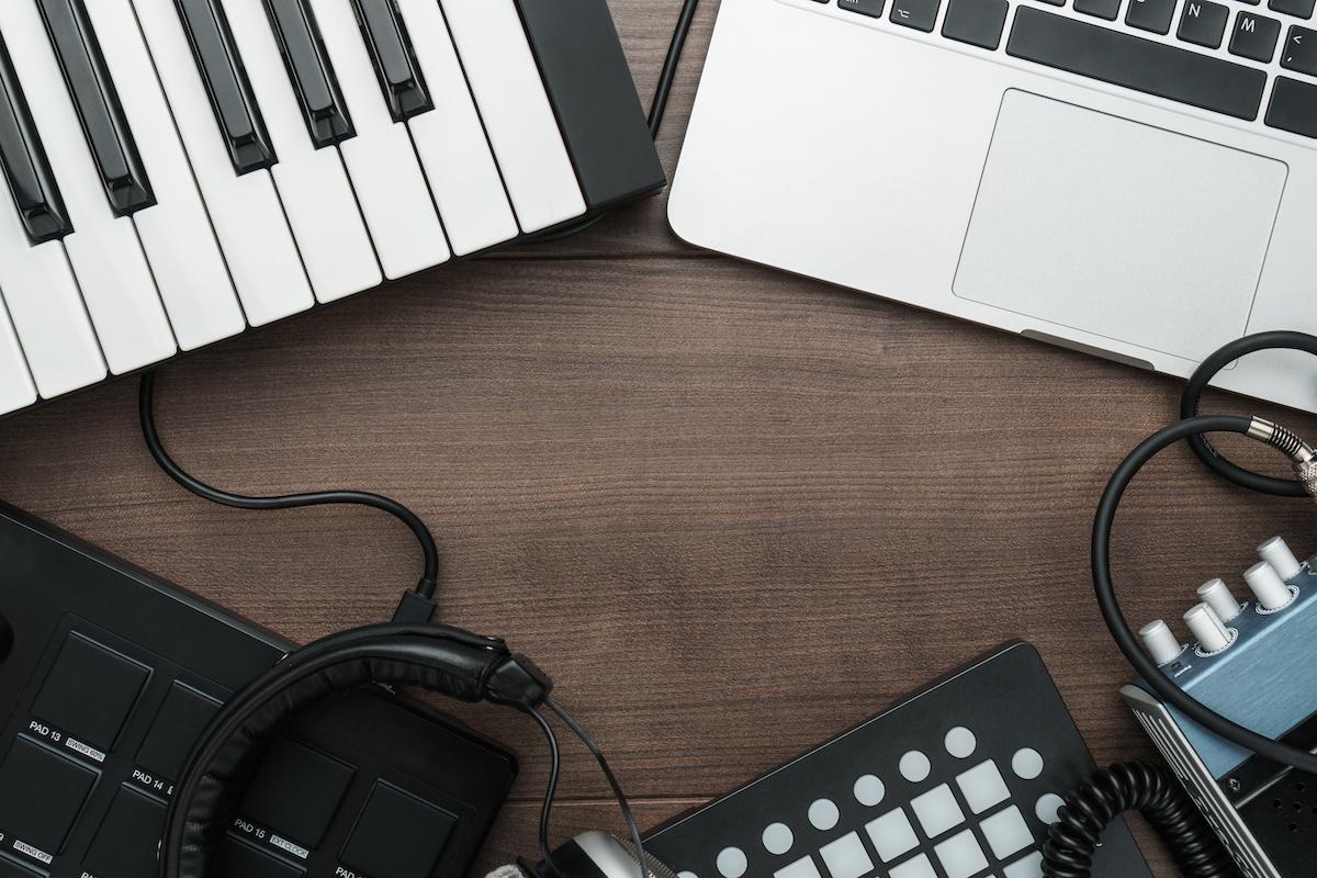 Musique 101: Qu'est-ce que la compression Sidechain? Utilisations, trucs et astuces pour le sidechain