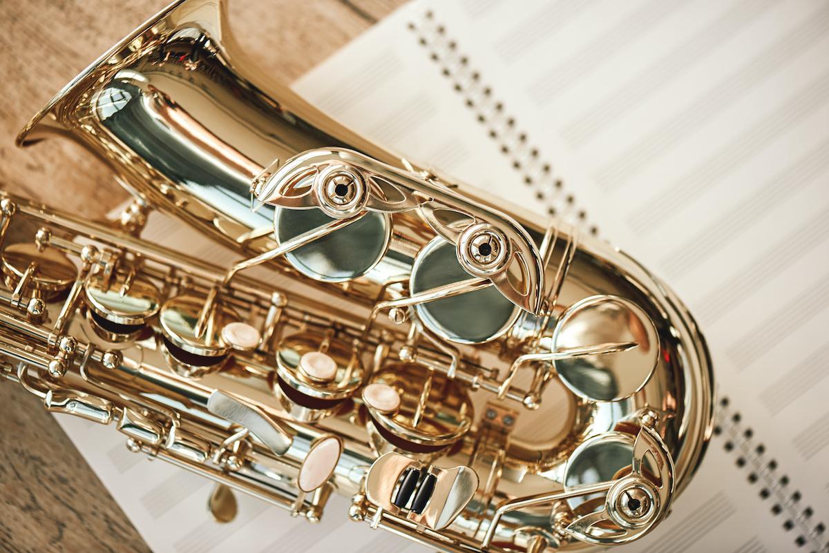 Gammes modifiées en théorie musicale: comment jouer une gamme modifiée