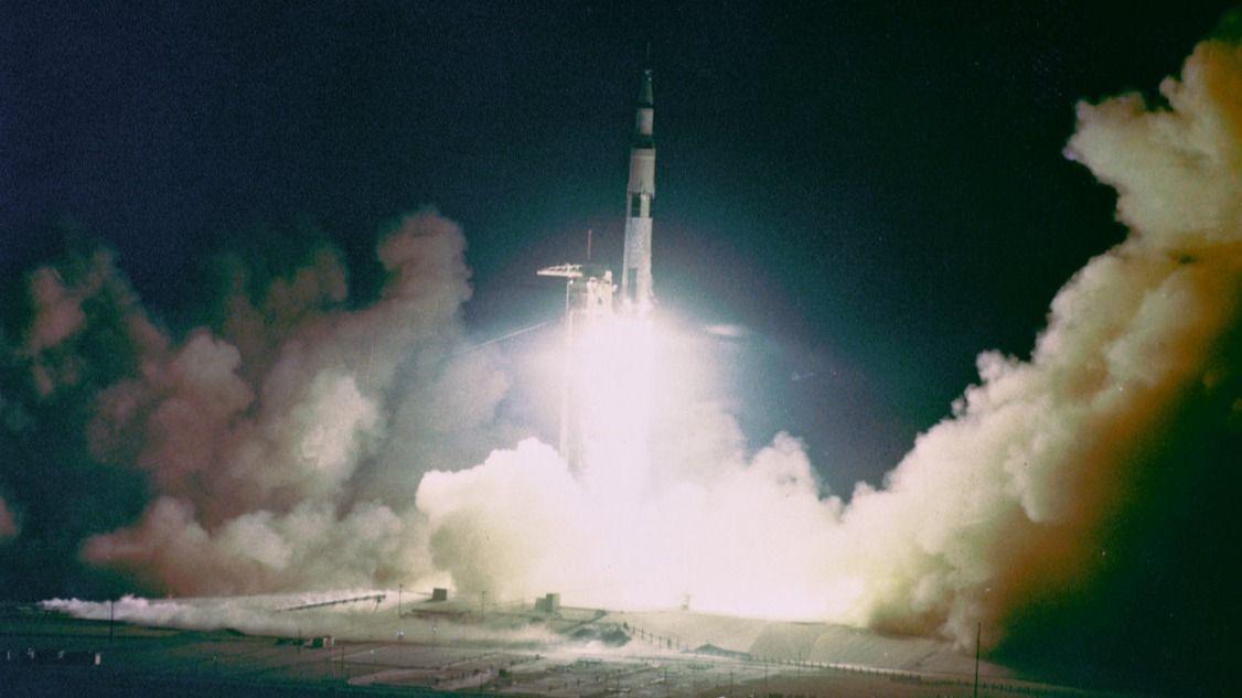 Cos'era il Saturn V? Scopri il potente razzo lunare della NASA e il suo ruolo nel programma Apollo