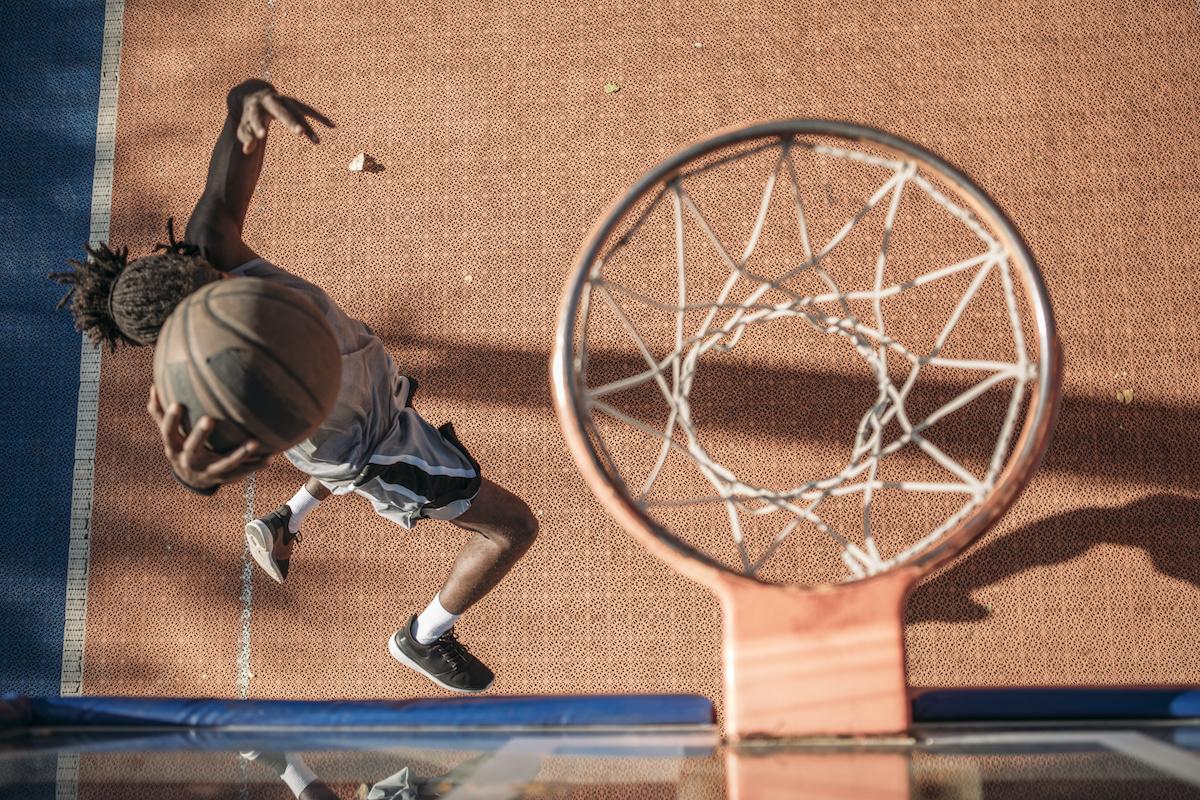Så här förbättrar du din skjutform för basket