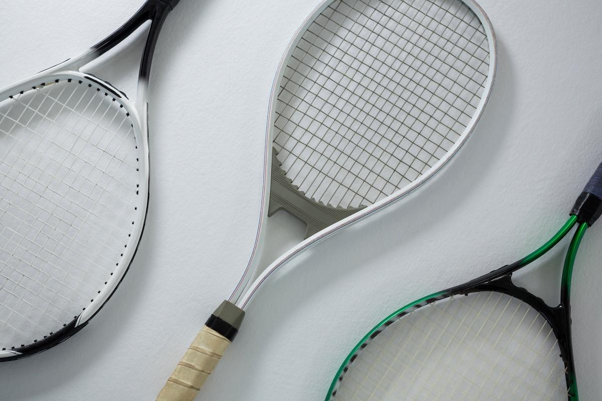 Guide des poignées de tennis : 4 poignées pour resserrer votre jeu de tennis