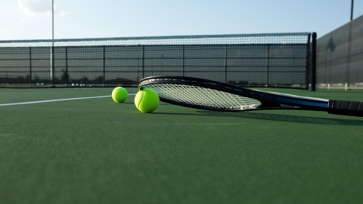 Comment frapper un coup de pied au tennis: 5 conseils pour frapper un coup de pied