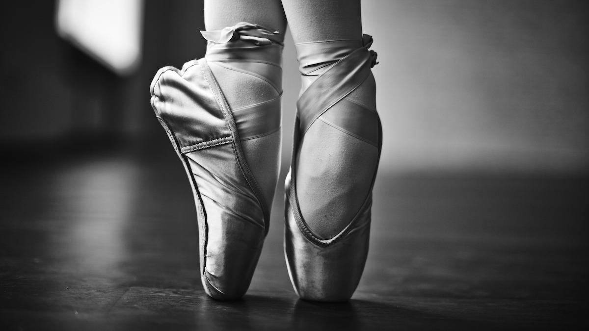 6 esercizi di balletto di base da praticare a casa