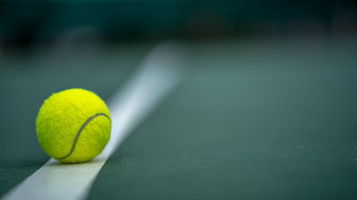 Come giocare a tennis: la guida per principianti al tennis