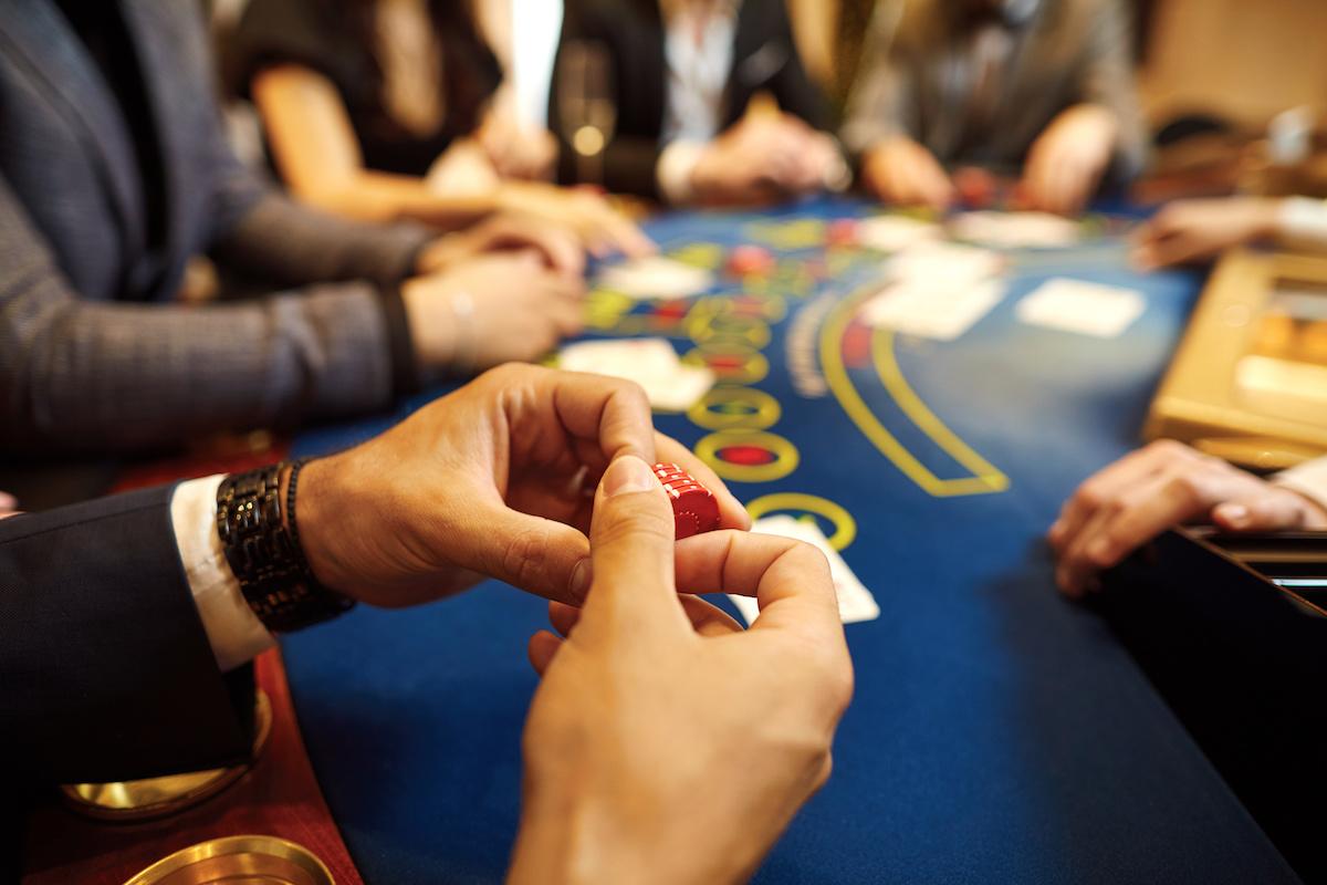Qu'est-ce que la texture du plateau au poker? Découvrez les différences entre une planche sèche et une planche mouillée au Texas Hold 'Em