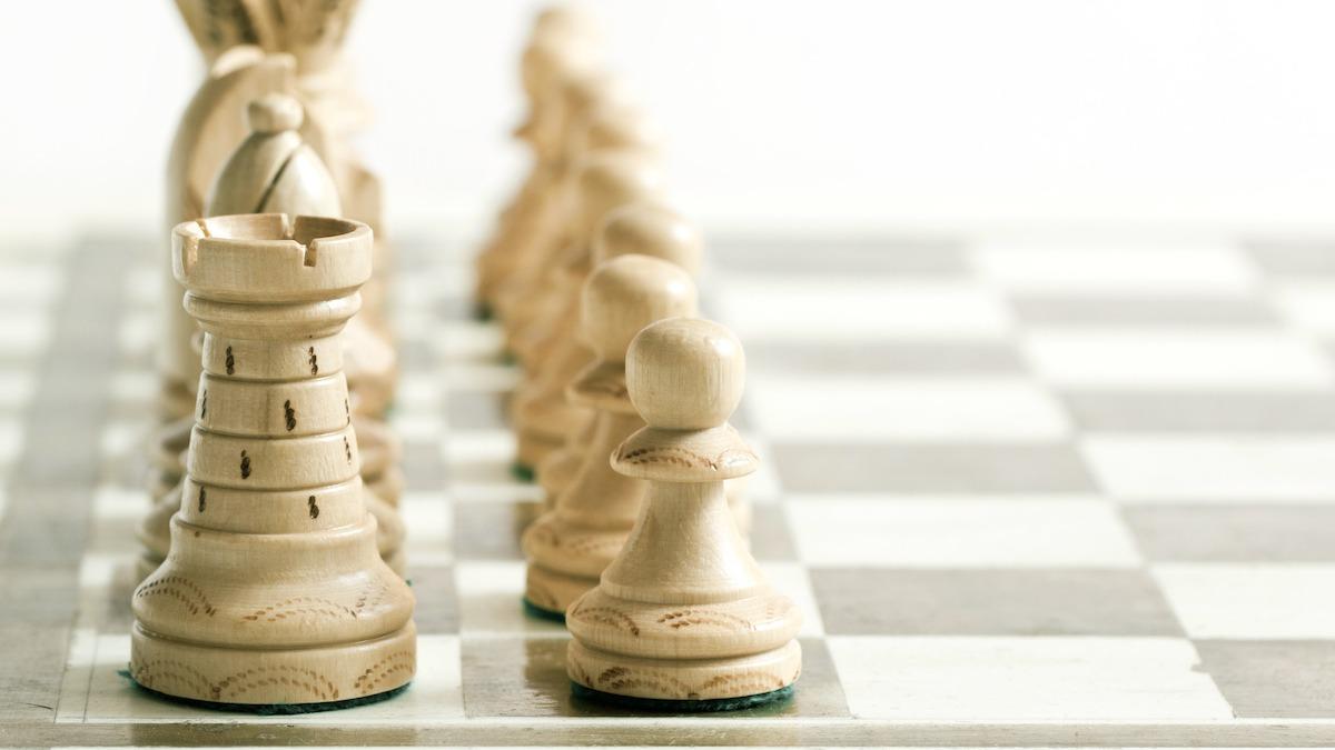 Šach 101: Čo je to sicílska obrana? Naučte sa, ako vystupovať a brániť sa pred otvorením šachu, pomocou podrobného sprievodcu