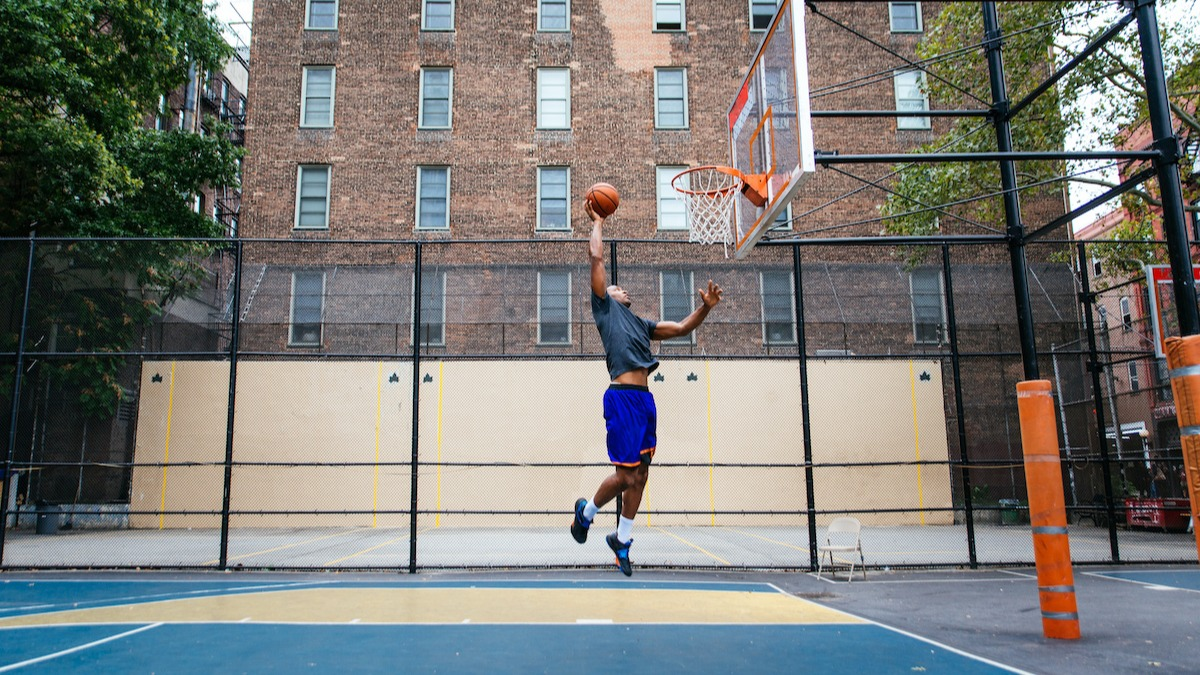 Comment jouer au basket-ball: explorez les bases du basket-ball
