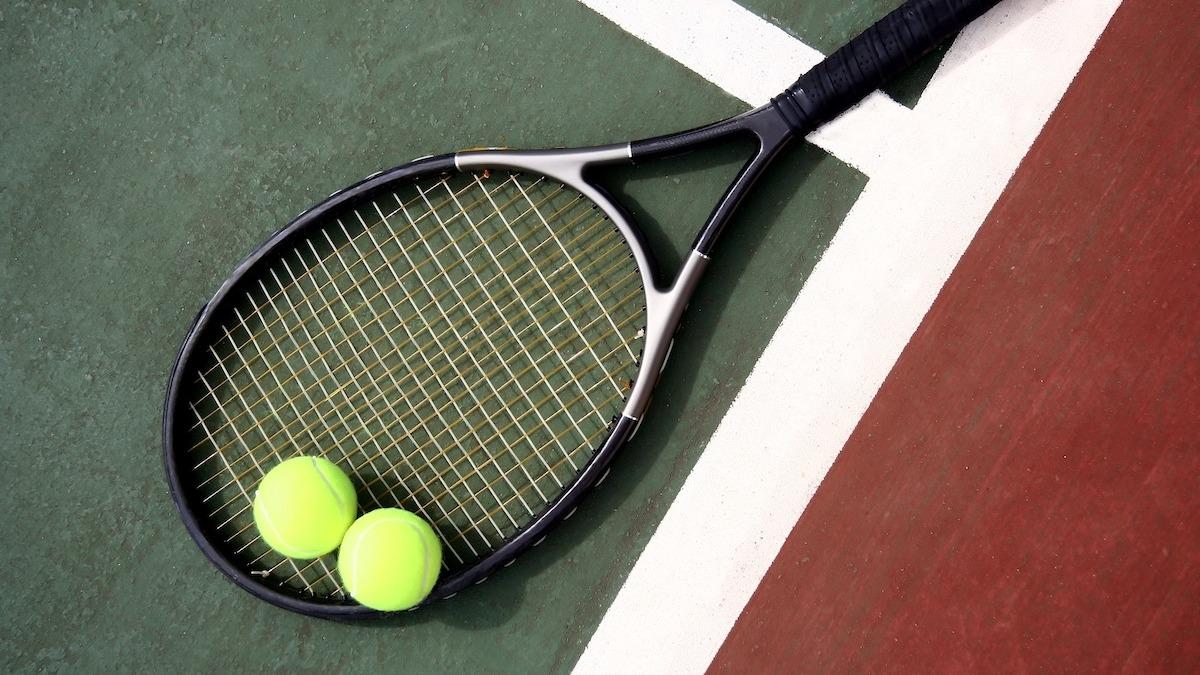 Kako pogoditi porciju narezaka u tenisu: Vodič za posluživanje kriške u 4 koraka