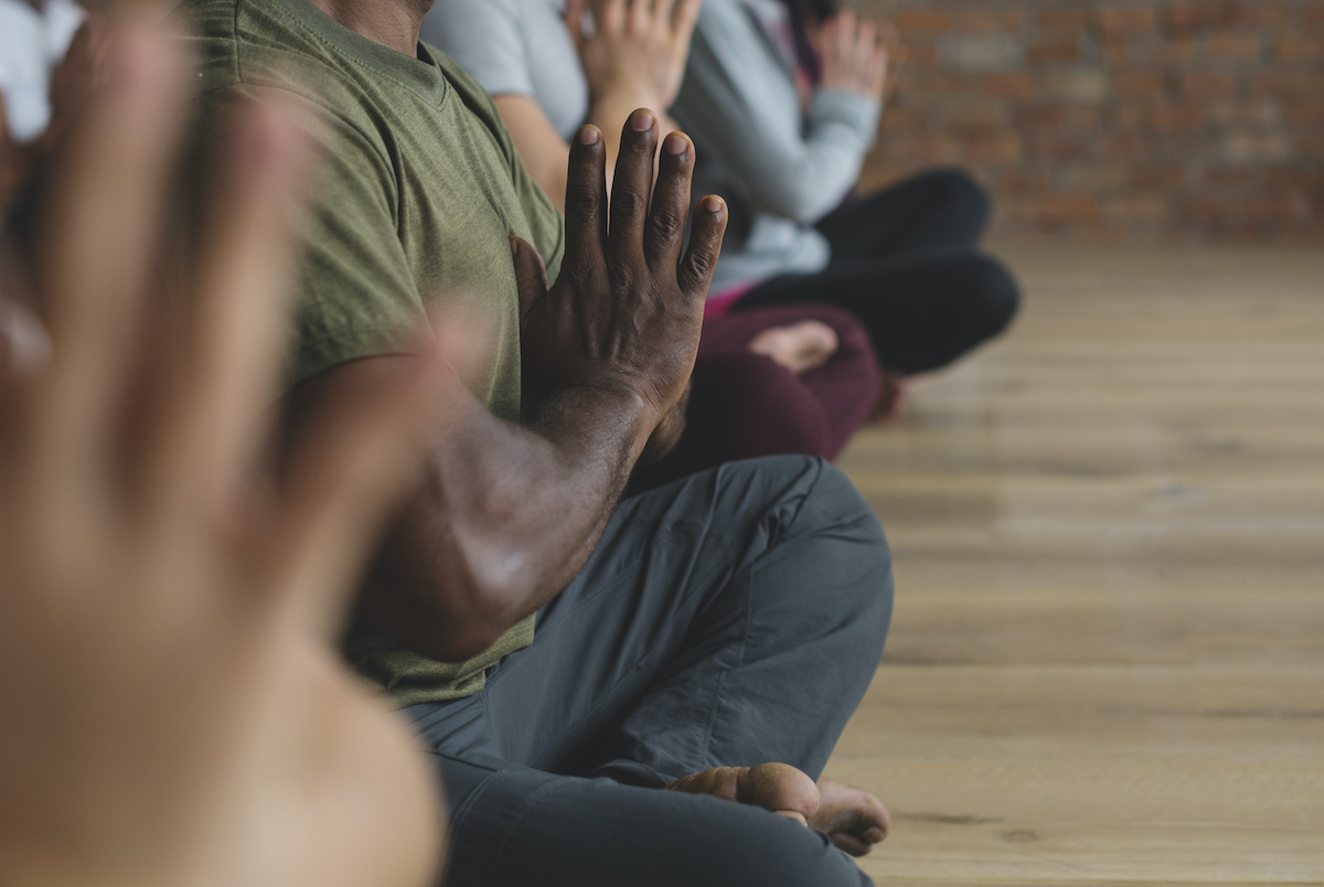 Guide de yoga chaud : 3 types de yoga chaud