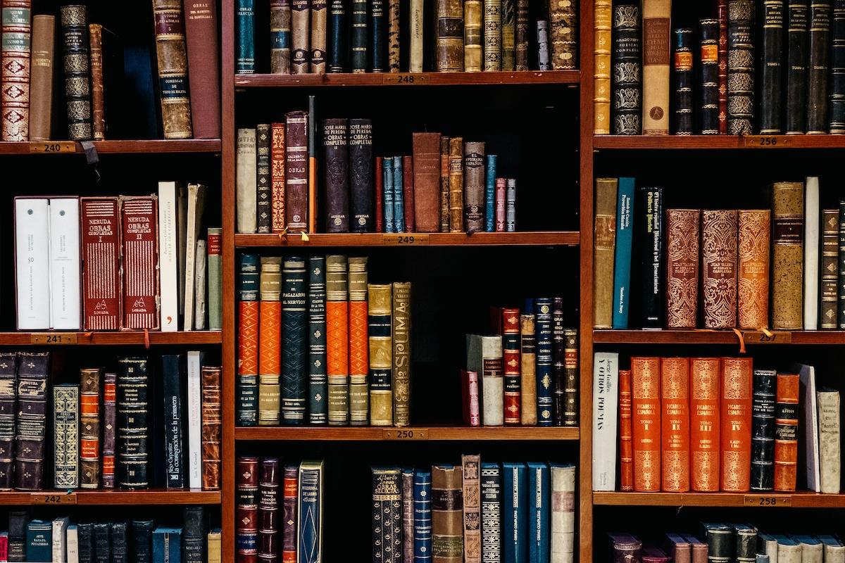 Tone protiv raspoloženja u književnosti: u čemu je razlika?