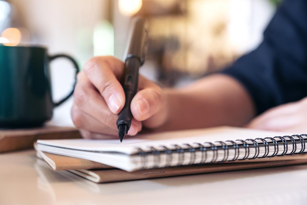 Hogyan lehet szép kézírás: 5 tipp a tökéletes íráshoz