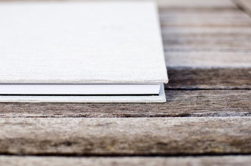 Guide complet des thèmes littéraires: définition, exemples et comment créer des thèmes littéraires dans votre écriture