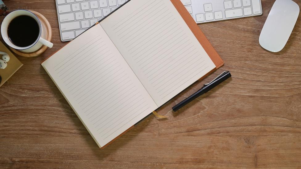 Hur man skriver karaktäraccent: 5 tips för hur man använder dialekter i skrift