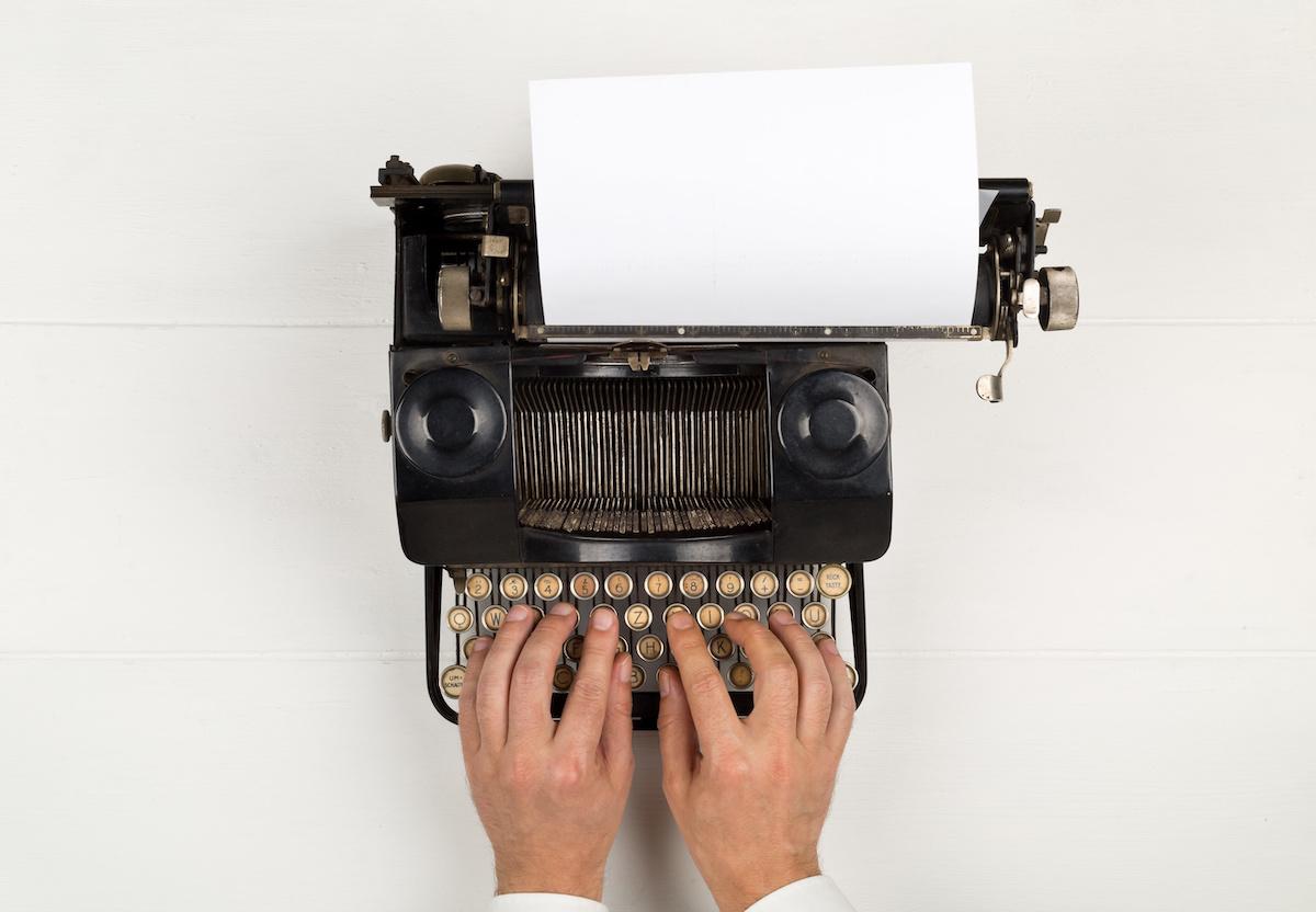 Comment écrire une histoire triste : 6 astuces pour évoquer des émotions par écrit