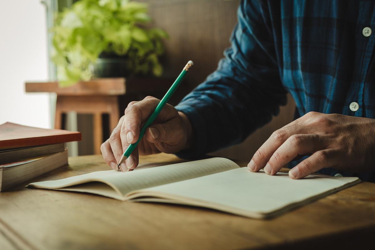Ako sa stať lepším spisovateľom: 6 slov a fráz, ktorým sa treba vyhnúť