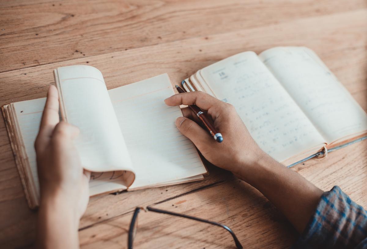 Compteur dactylique: exemples et définition du dactyle dans la poésie