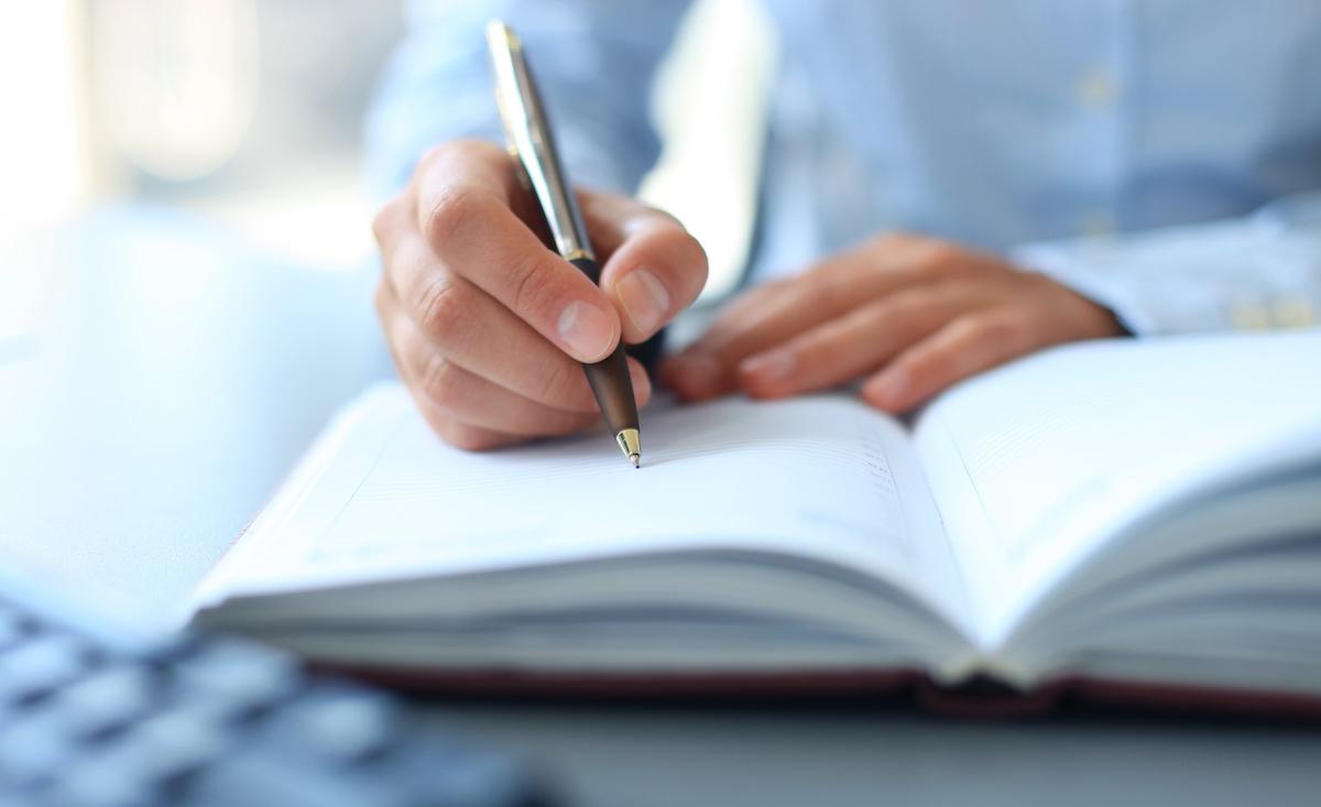 Comment structurer les chapitres de votre roman : 8 conseils pour écrire des chapitres