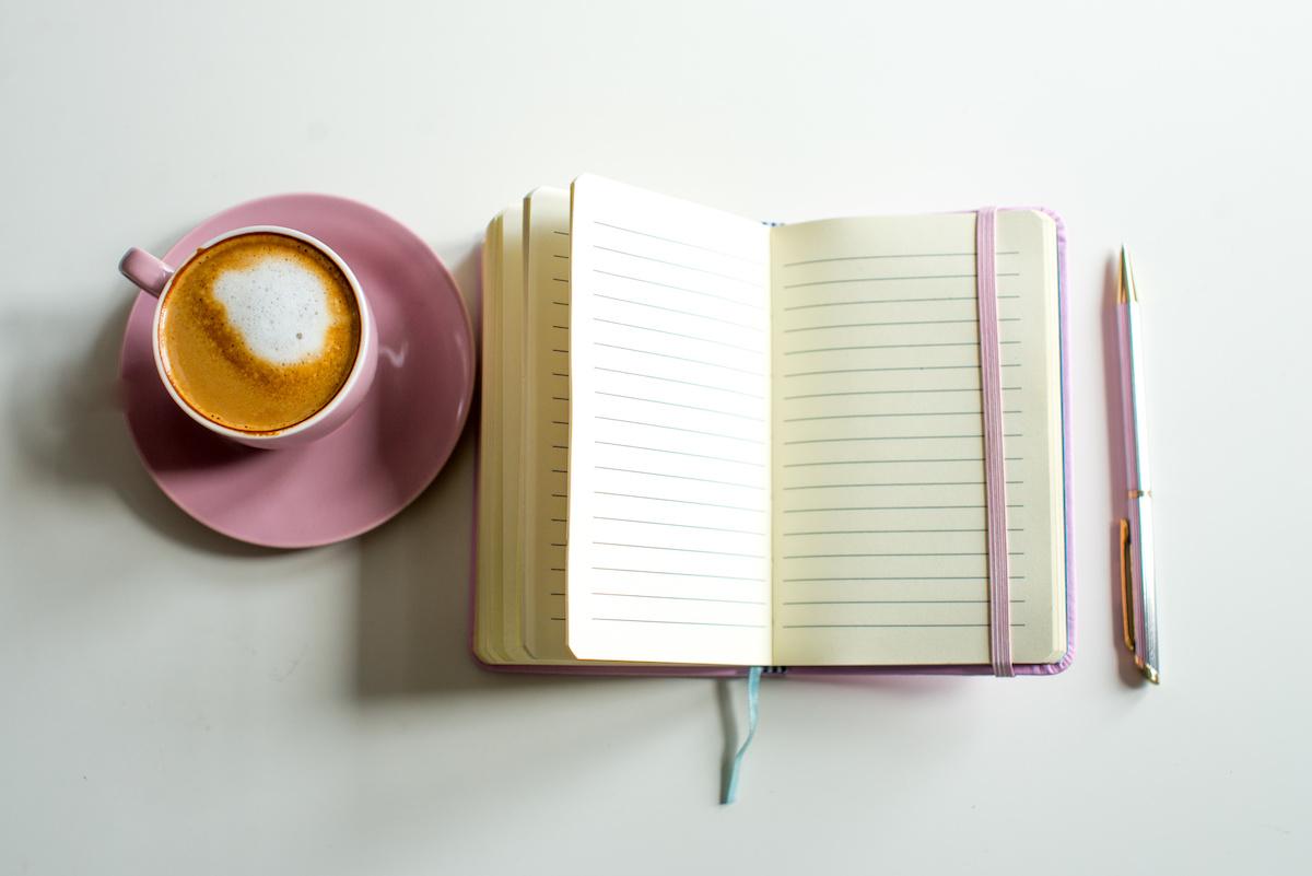 Ako napísať románsky román: 5 tipov, ako napísať úspešný románik