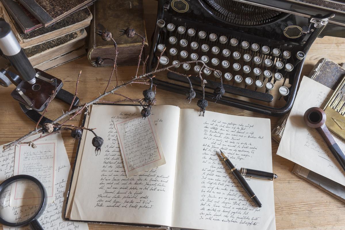 Poésie 101: Qu'est-ce qu'un couplet en poésie?
