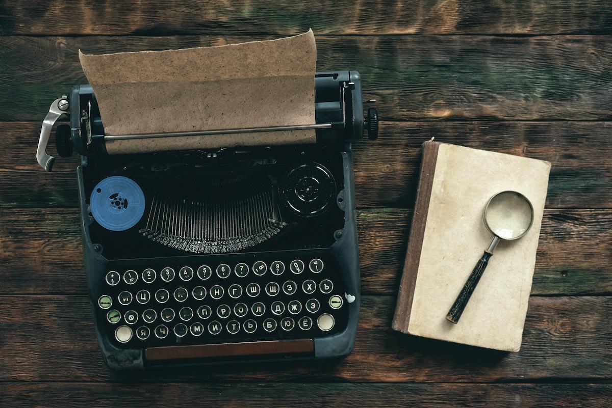 Comment écrire un thriller d'espionnage : 6 conseils