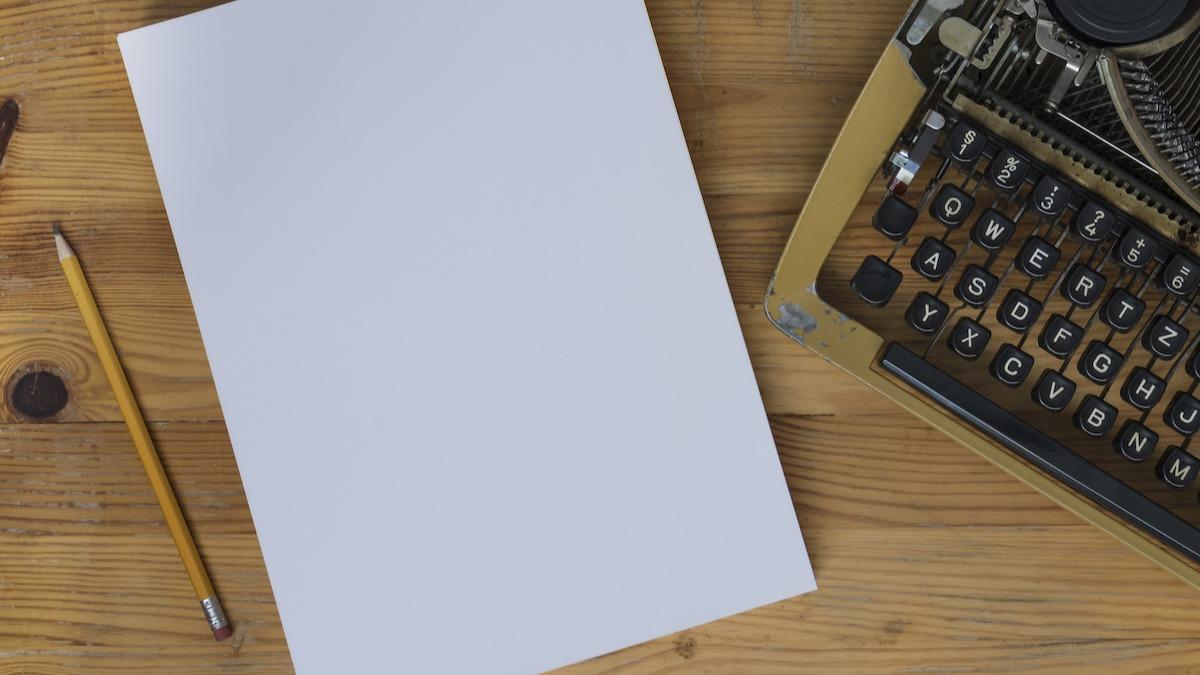 अपनी कहानी का पहला प्लॉट पॉइंट कैसे लिखें