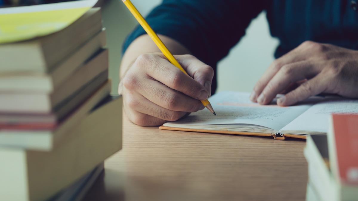 Kako napisati drugi osnutek: 5 nasvetov za dokončanje drugega osnutka