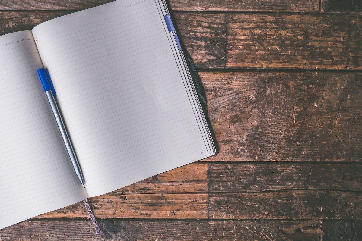 Slik forbedrer du skrivingen din med freewriting: 5 freewriting-teknikker og tips