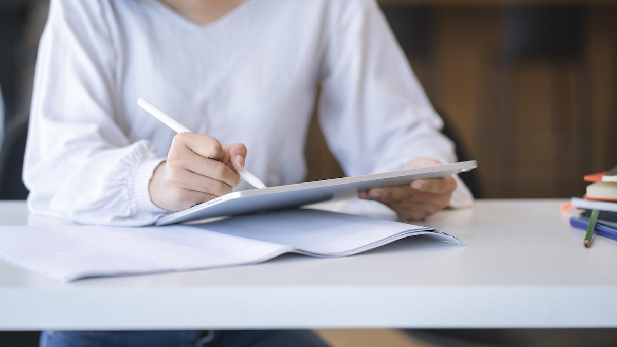 Kako napisati legalni triler: Vodič za pisanje trilera korak po korak